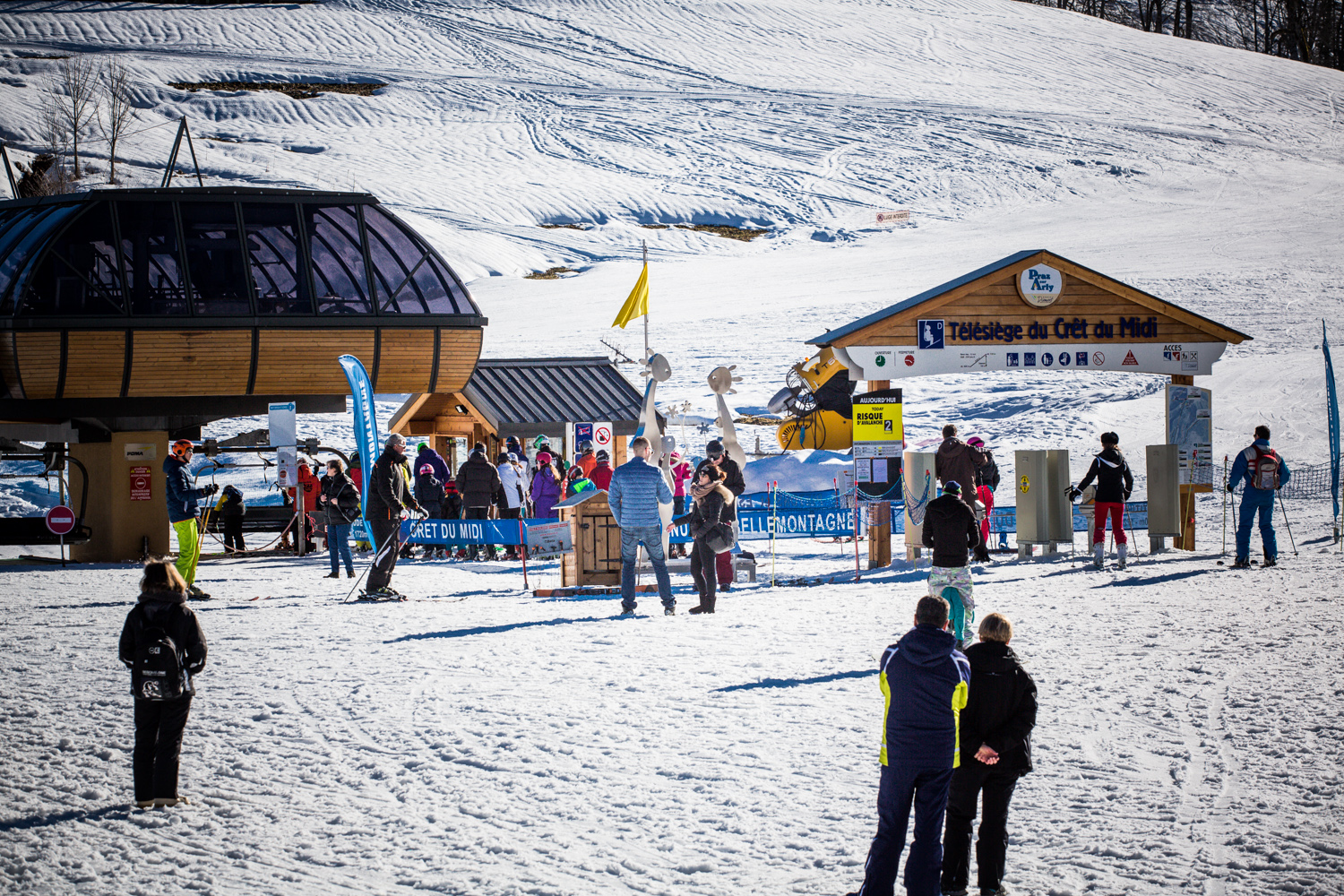 Buy your ski passes at Val d Arly Labellemontagne. Discover numerous  available offers for all budgets and all desires! You can choose between  two ski areas  ff952704a
